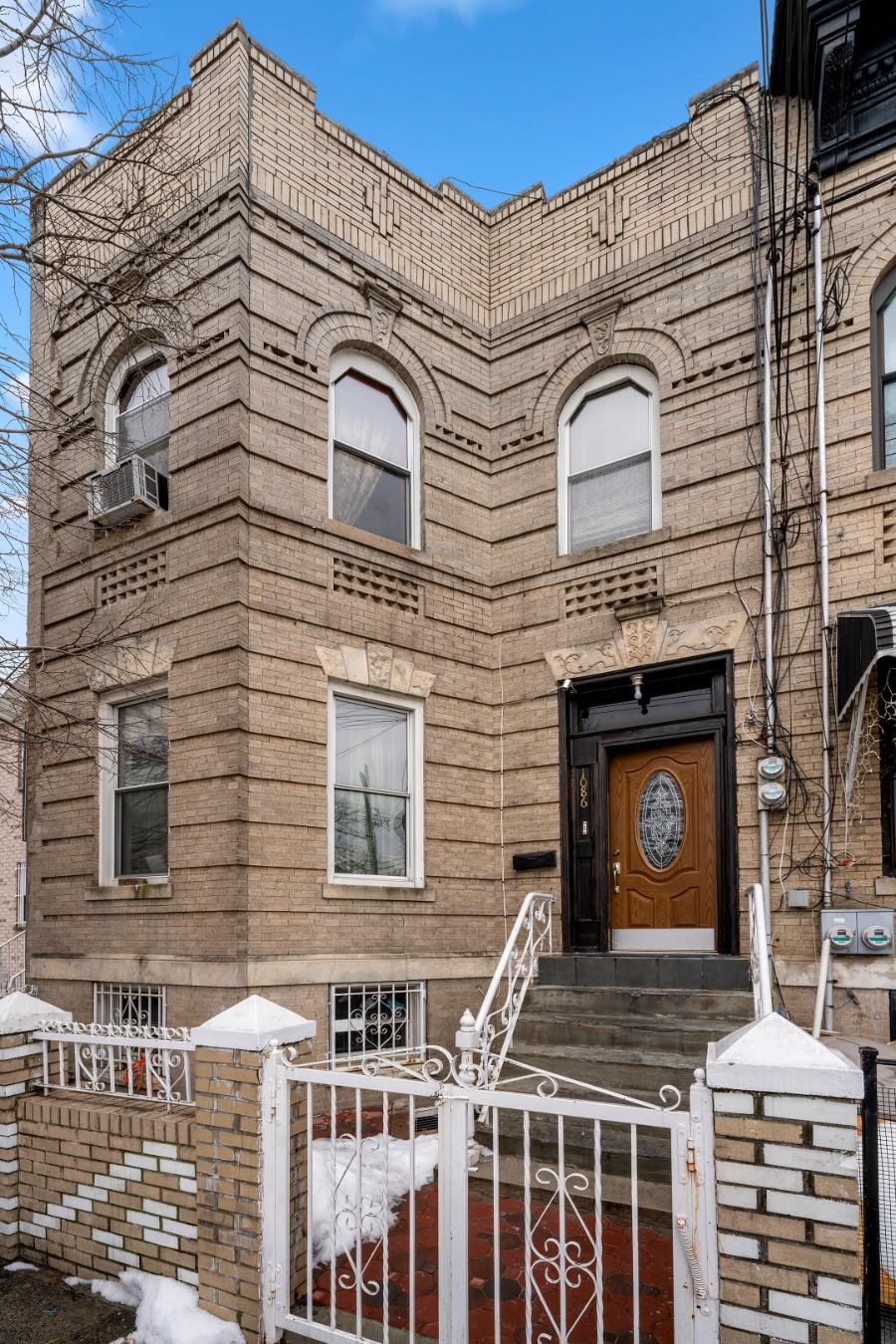 1086 Blake Avenue East New York Brooklyn NY 11208