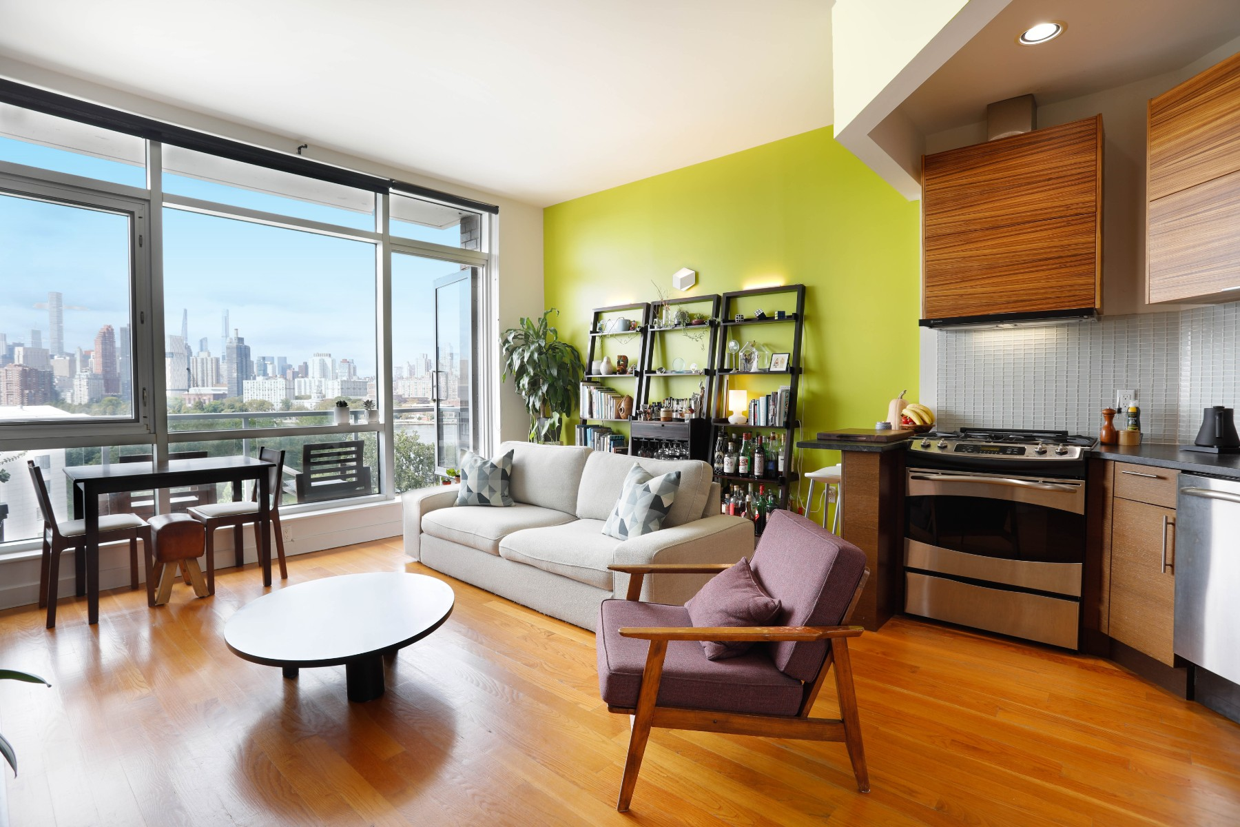 11-24 31st Avenue, Astoria, NY - 2,950 USD/ month