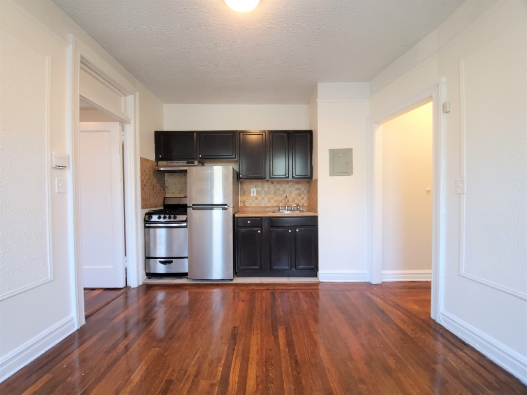 25-21 31st Ave, Astoria, NY - 1,875 USD/ month