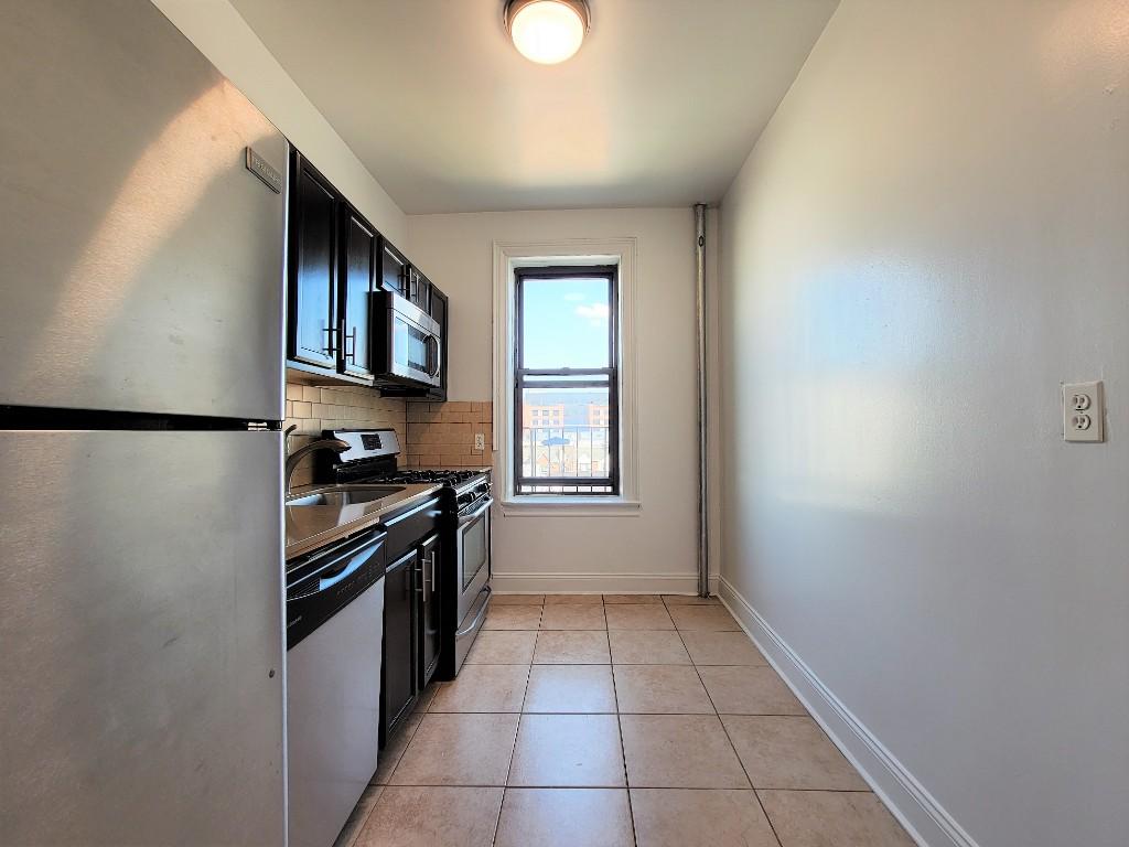 31-49 29th St, Astoria, NY - 2,069 USD/ month