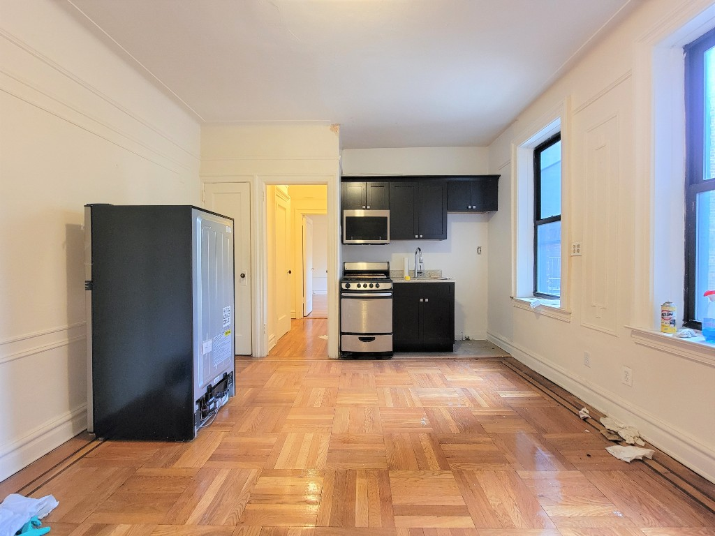 32-85 33rd St, Astoria, NY - 1,750 USD/ month