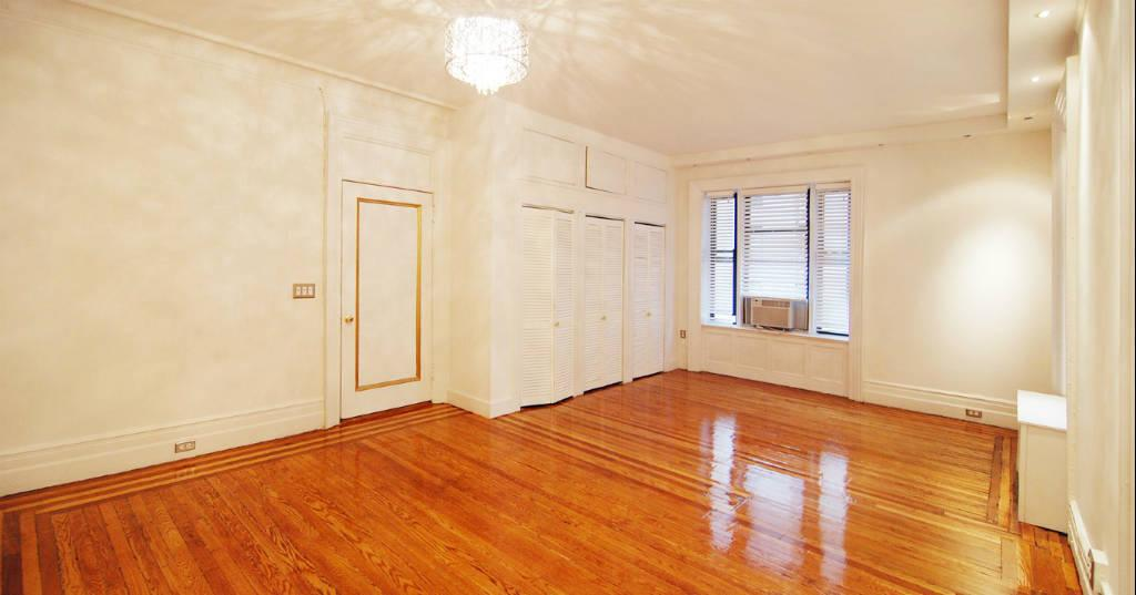 4 Apartment in Midtown West