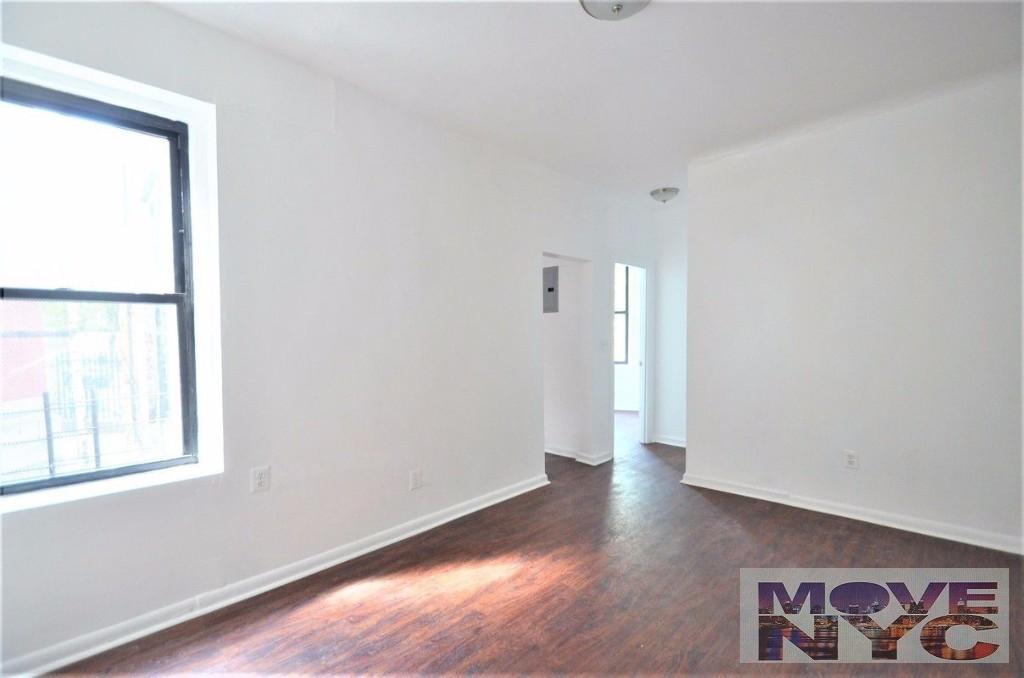3 Apartment in Morris Park