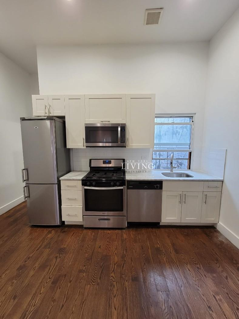 1424 Flatbush Avenue Flatbush Brooklyn NY 11210