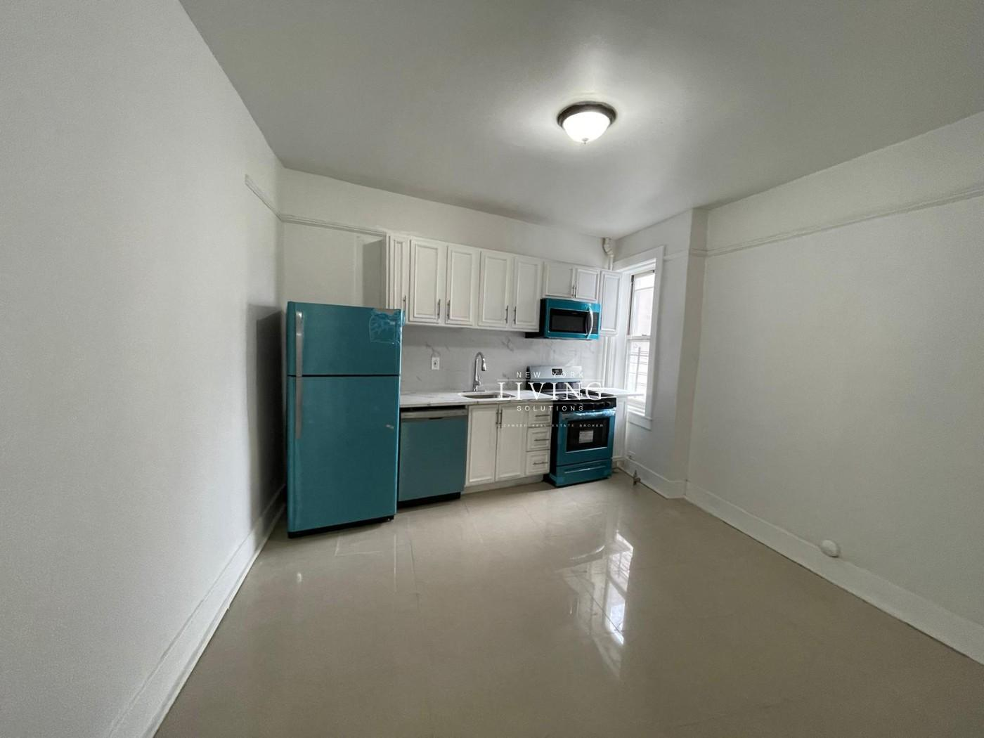 67-28 78th Street Middle Village Queens NY 11379