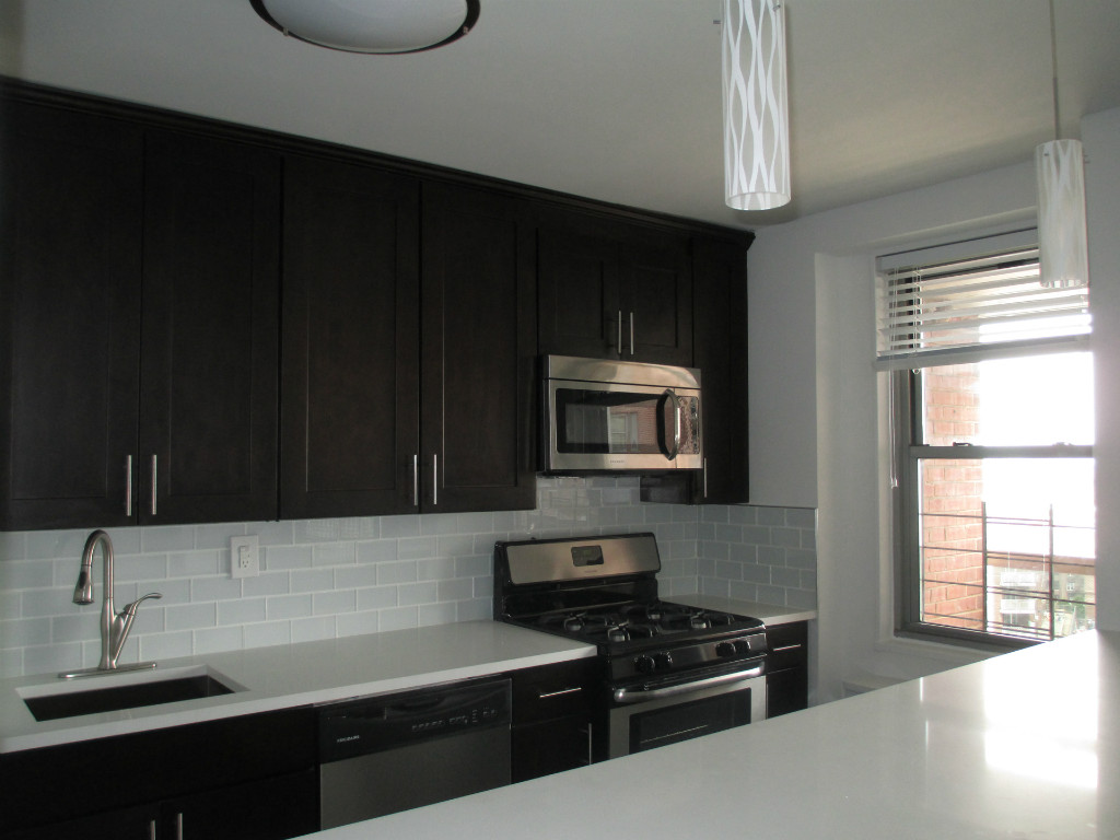 3 Apartment in Forest Hills
