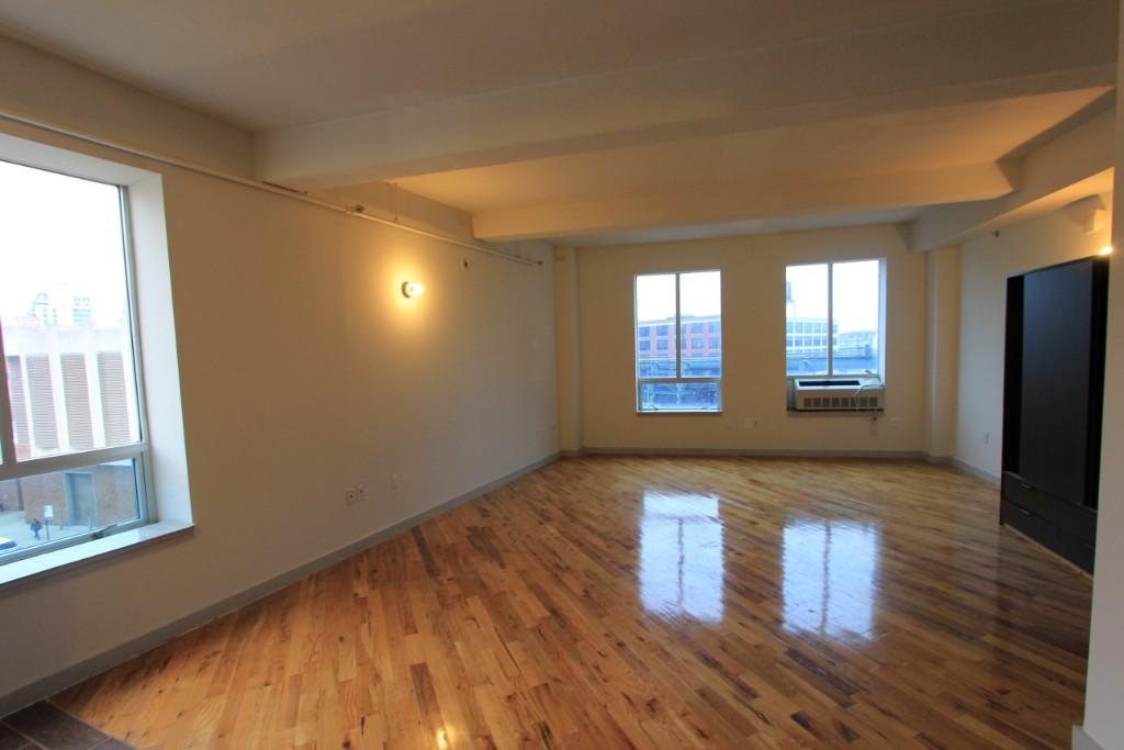 Studio Apartment in Queens