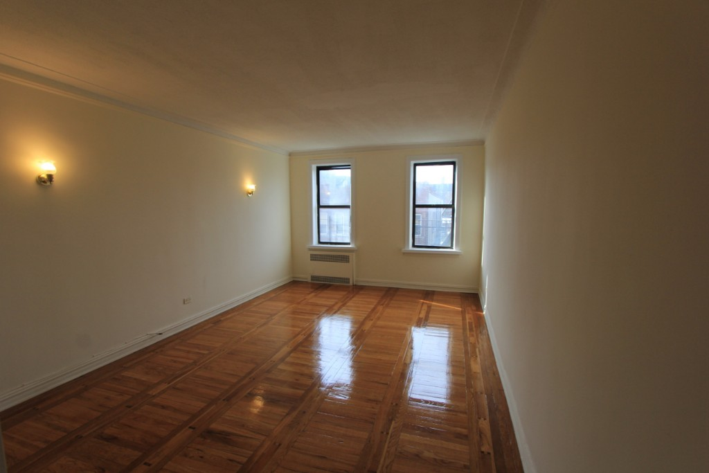 2 Apartment in Sunnyside