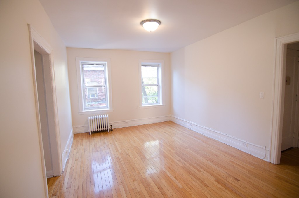 34-10 84th Street, Apt H21, Queens, New York 11372