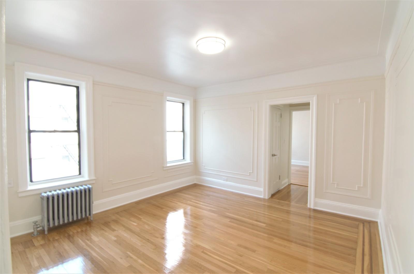 38-05 Crescent Street, Apt 3D, Queens, New York 11101