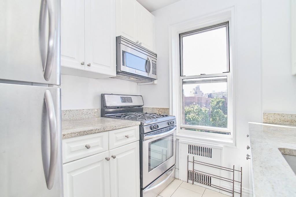 105-05 69th Avenue Forest Hills Queens NY 11375