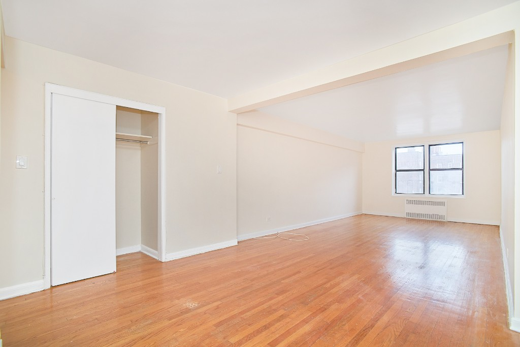 35-65 86th Street 2D Jackson Heights Queens NY 11372