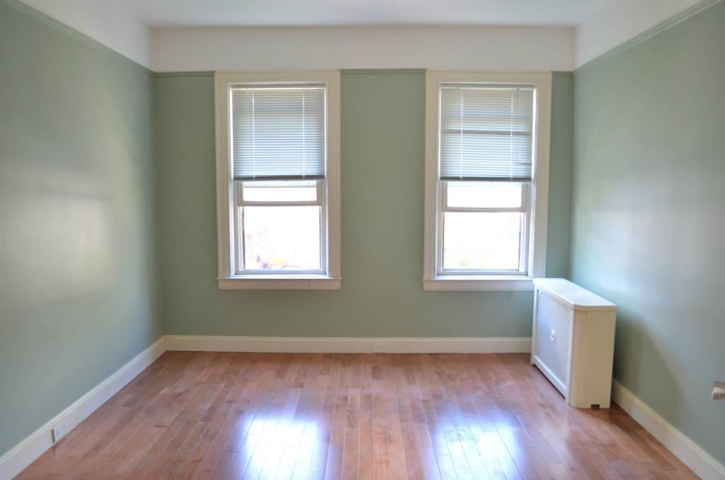 2.5 Apartment in Astoria