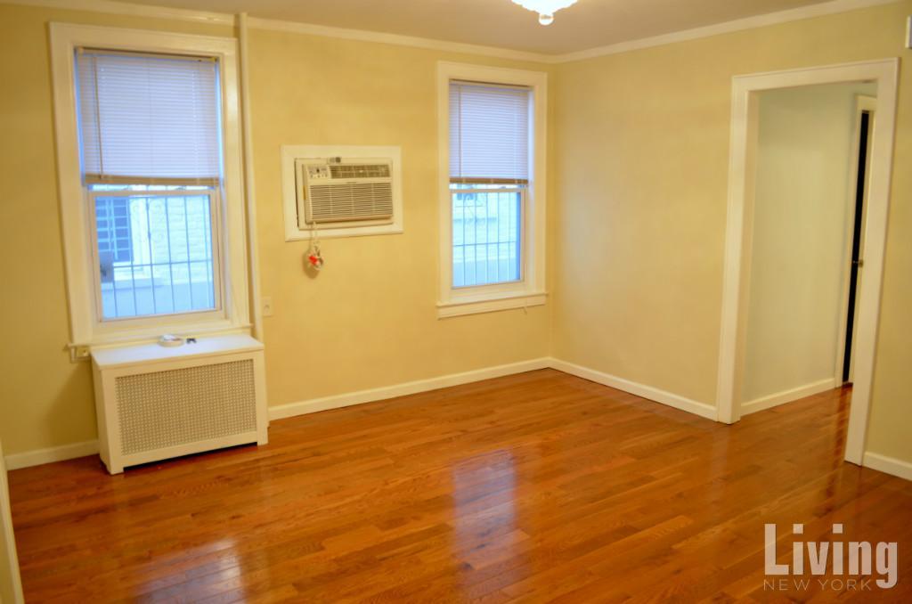 2 Apartment in Queens