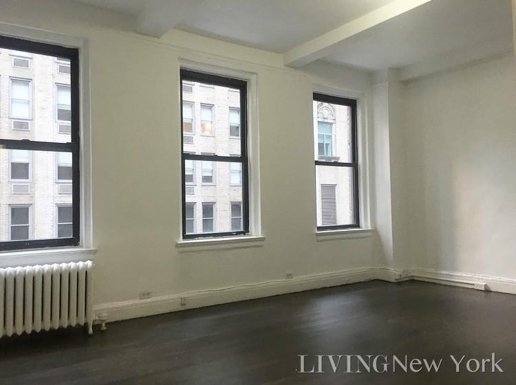135 East 50th Street Interior Photo