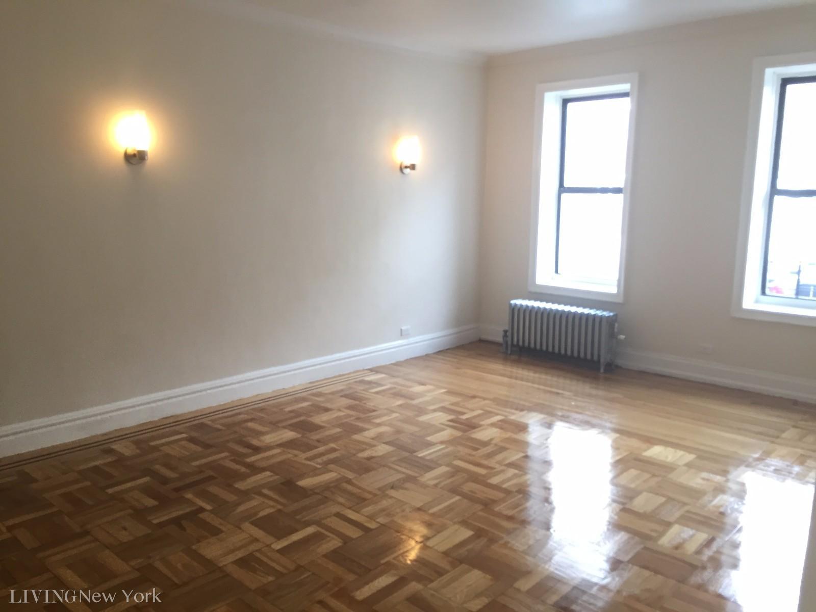 2.5 Apartment in Inwood
