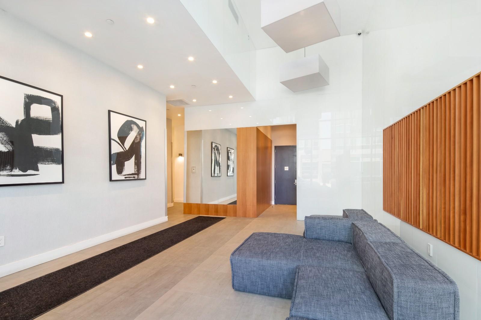 531 Myrtle Avenue Interior Photo