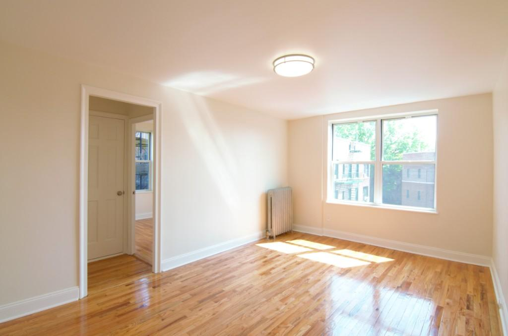 1 Apartment in Jackson Heights