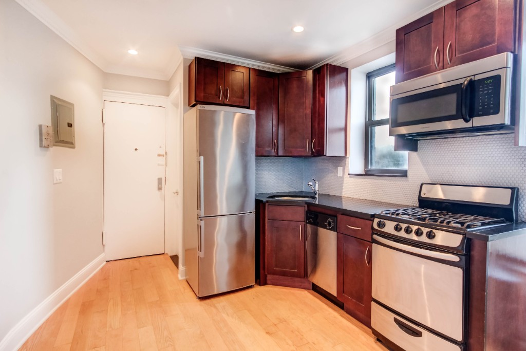 3 Apartment in Greenpoint