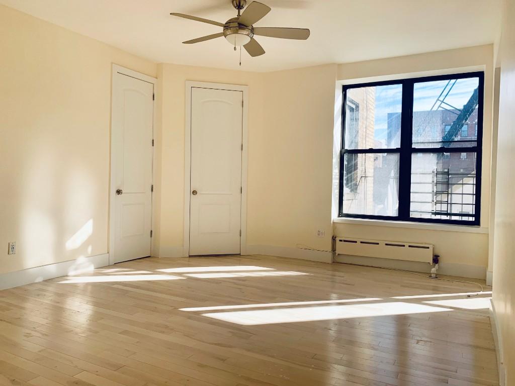Studio Apartment in Washington Heights