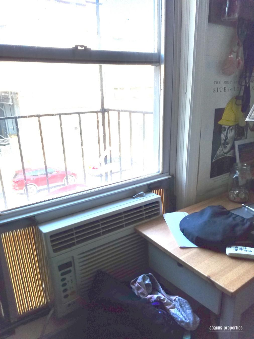 Small bedroom 2