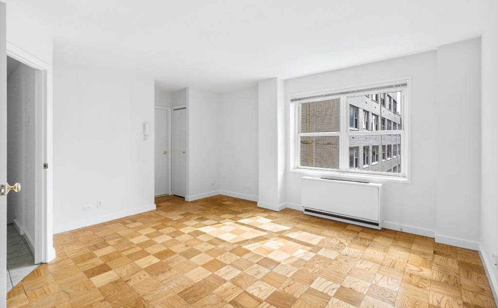 1470 First Avenue Upper East Side New York NY 10075