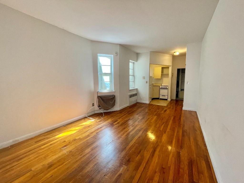 886 Tenth Avenue Clinton New York NY 10019