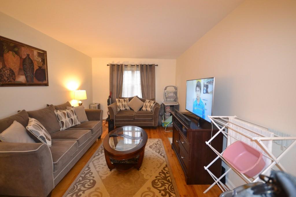 2 Apartment in Kew Gardens Hills