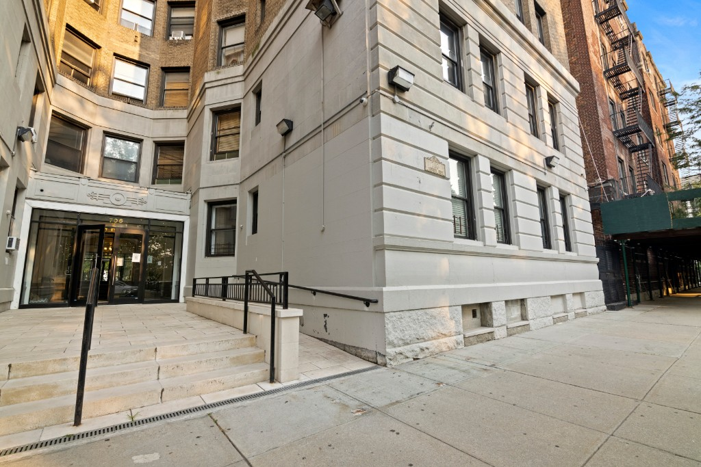 706 Riverside Drive Hamilton Heights New York NY 10031