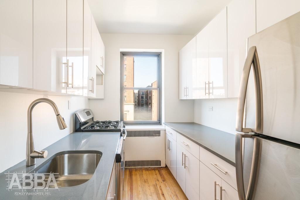 Grand Concourse | Bronx Apartments: Bronx 2 Bedroom