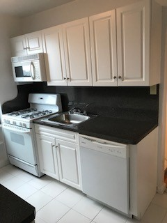 3 Apartment in Riverdale