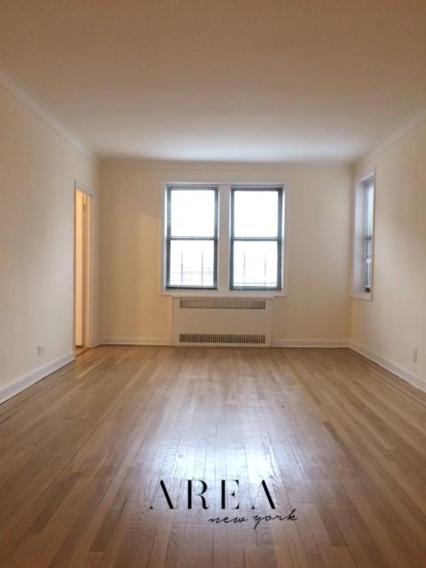 2 Apartment in Rego Park