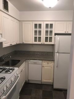 Studio Apartment in Eastchester