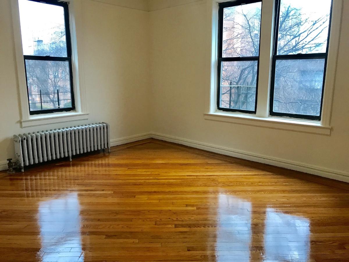 2 Apartment in Sunnyside