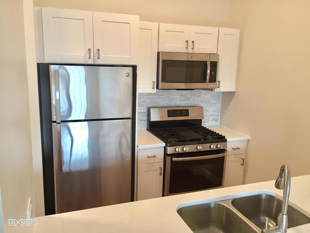 2 Apartment in Kew Gardens Hills