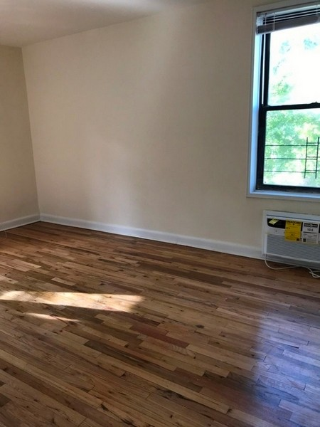 Studio Apartment in Kew Gardens Hills