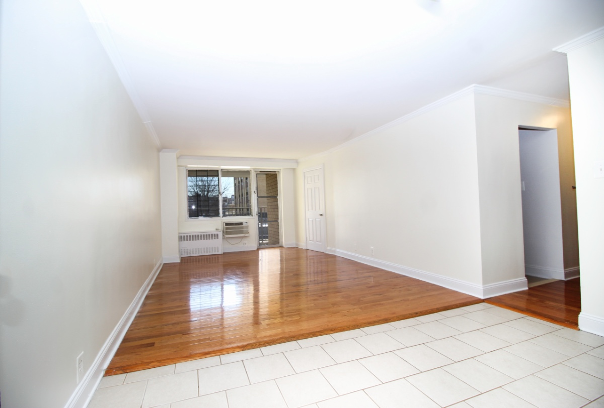1 Apartment in Westchester