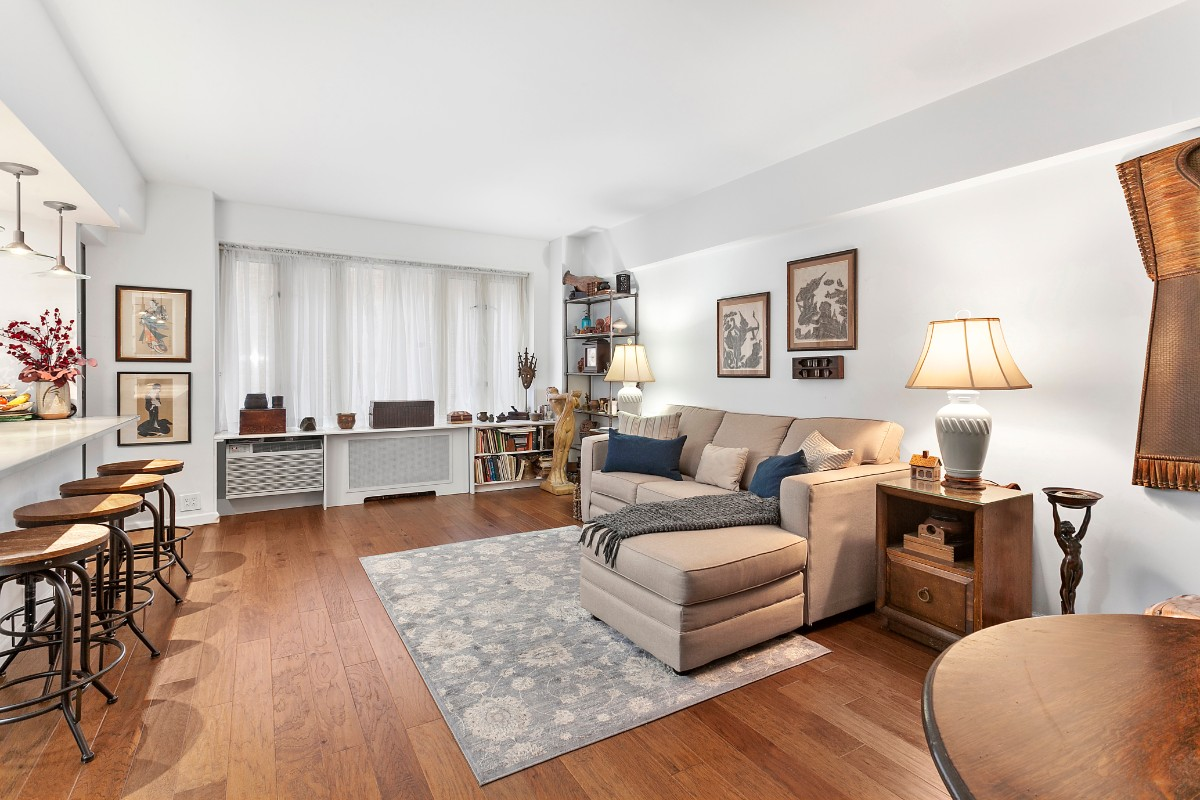 1 Coop in Yorkville