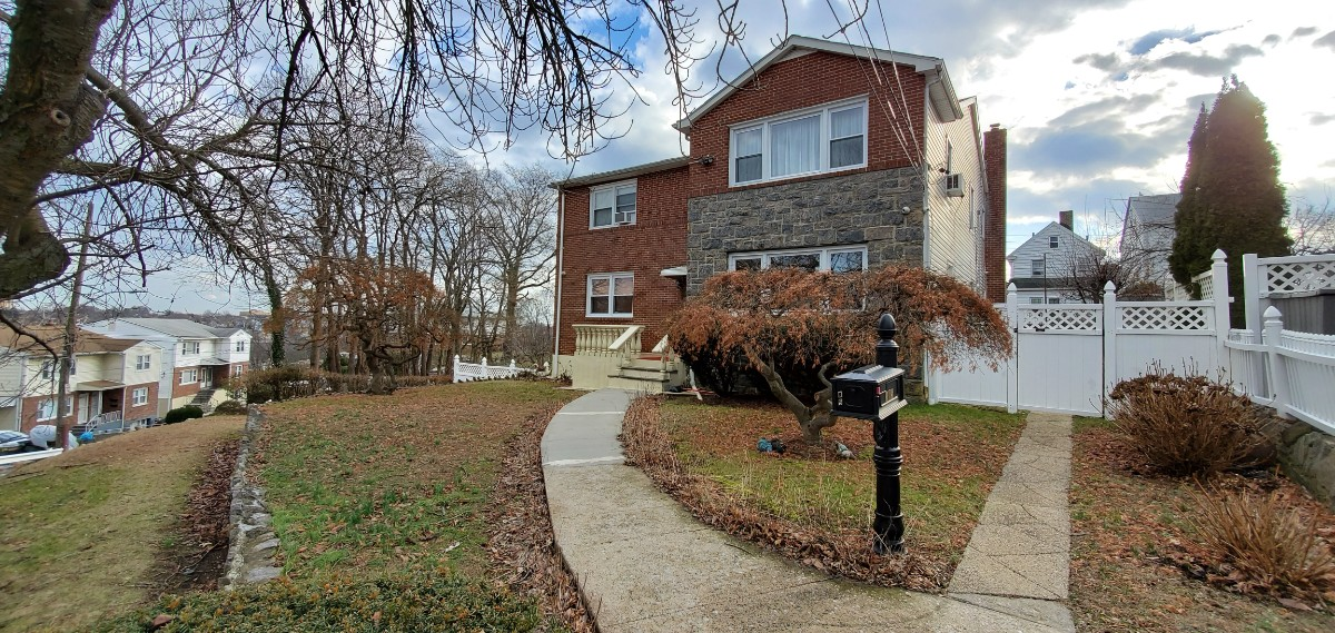 3 House in Yonkers