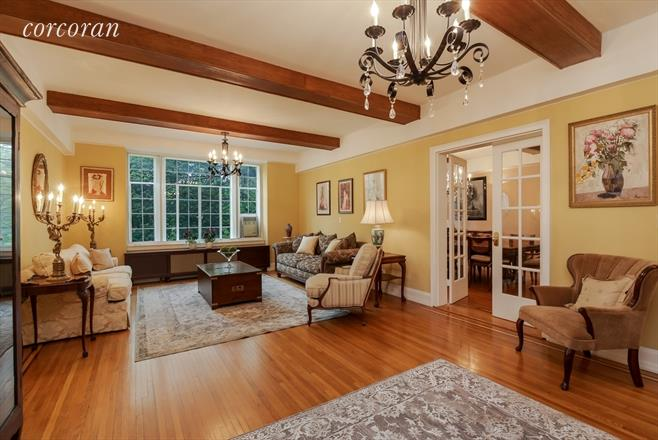 3 Coop in Forest Hills