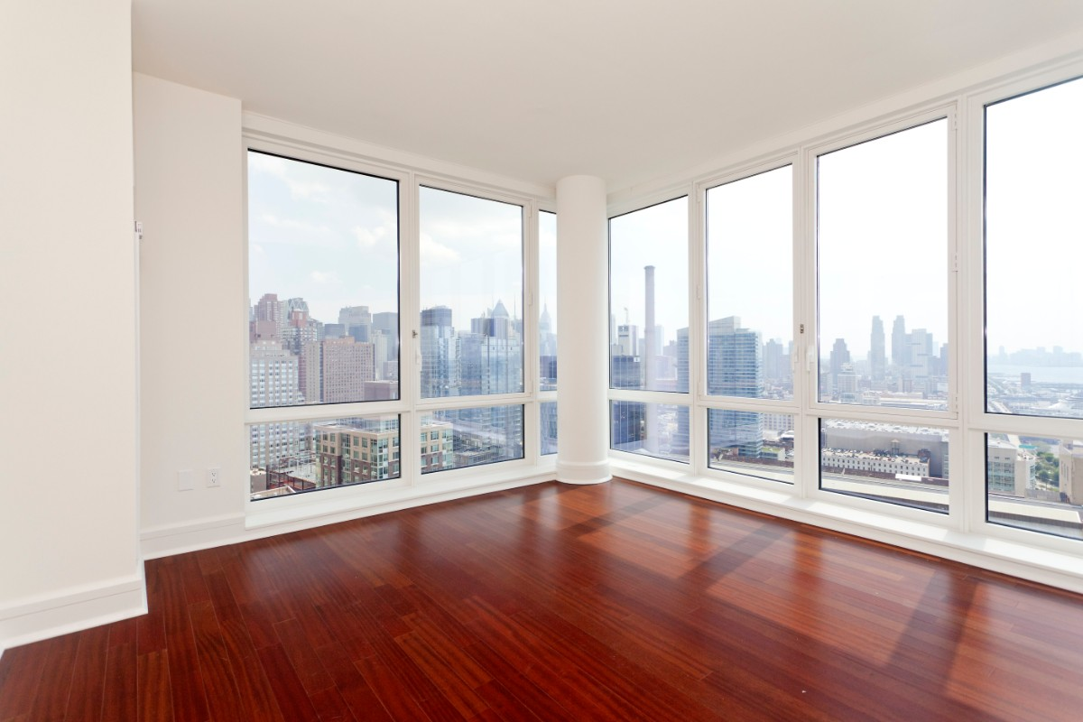 1 Apartment in Upper West Side