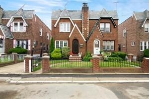 3 House in Queens