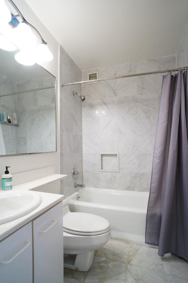 Unit 25J - Marble Bathroom