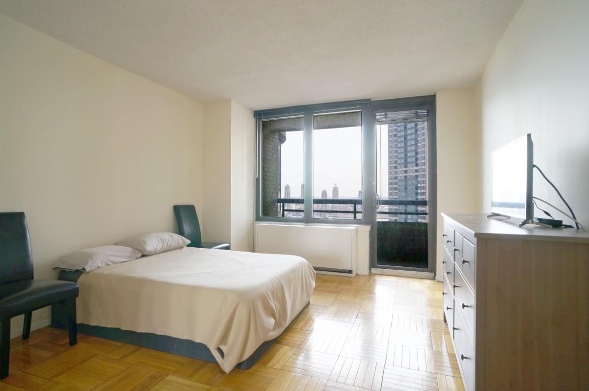 Unit 25J - Bedroom with Balcony