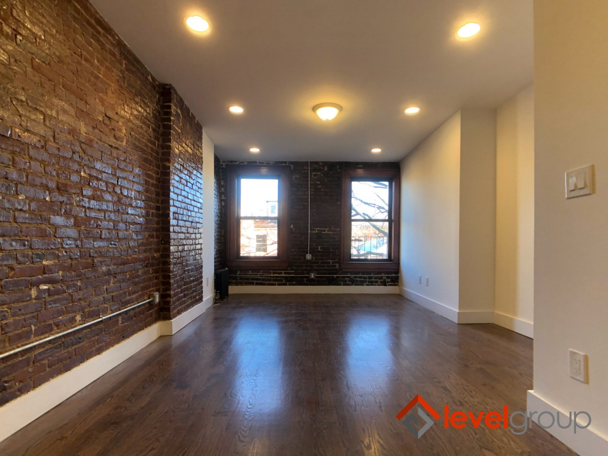 2 Apartment in Cobble Hill