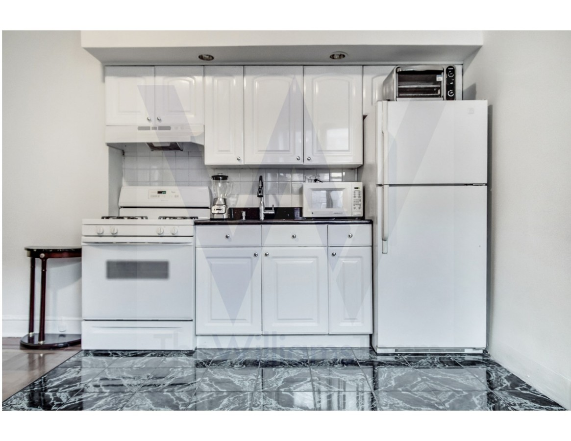 1 Coop in Bay Ridge