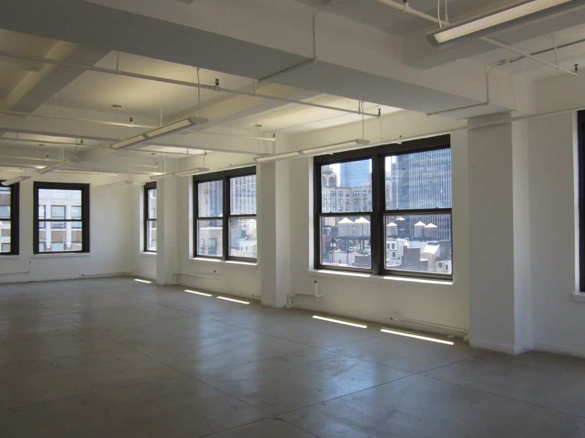 Office Office in Midtown West / Hell's Kitchen