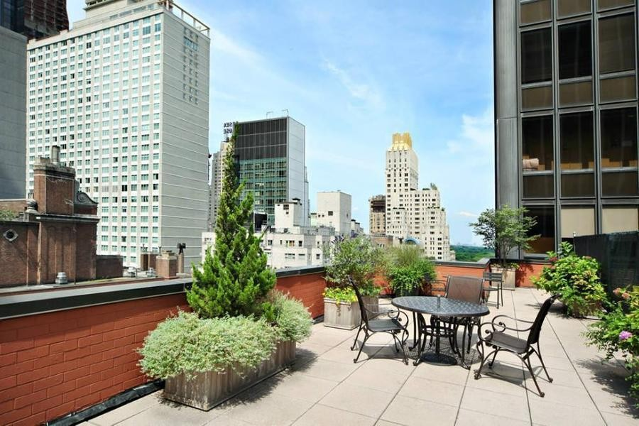 2 Condo in Midtown West