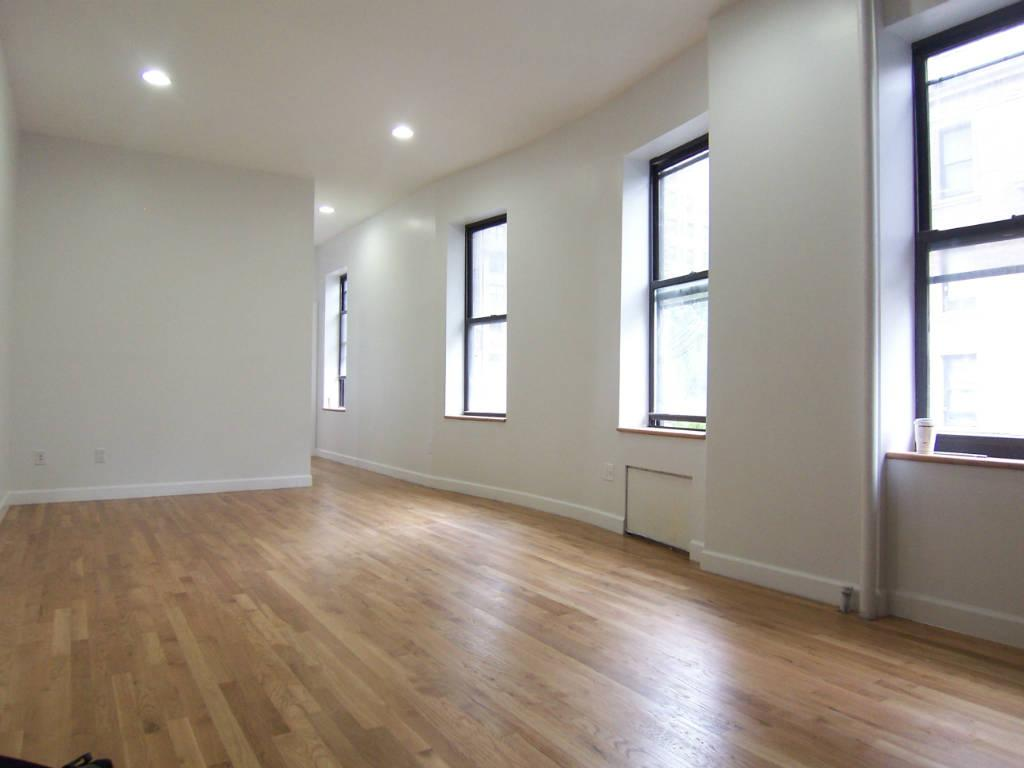 Astounding Nyc Apartments Upper West Side 3 Bedroom Apartment For Rent Home Interior And Landscaping Mentranervesignezvosmurscom