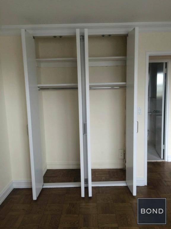 Bedroom 1 (Closets)